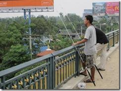 Bangkok Flooding:  Views from Rama IV Bridge