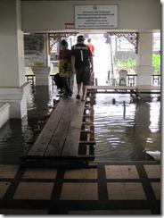 2011_10_20 Flooded Market (8)