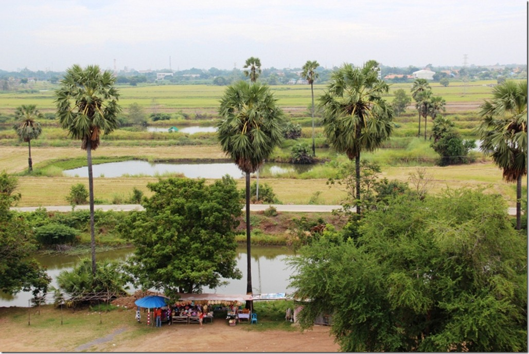 2012_08_11 Wat Phu Khao Thong (11)