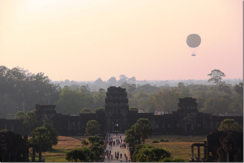 2012_12_26 Cambodia Angkor Horizon